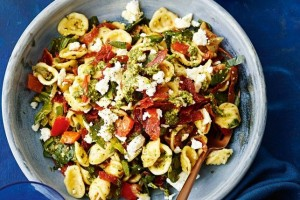 30-minute-flavour-packed-pasta-dishes-107480-2